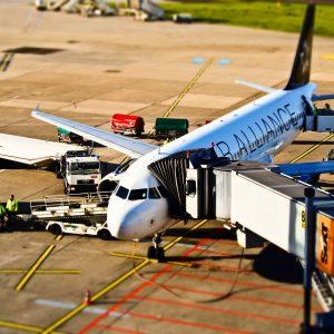 El desastroso efecto de la COVID-19 en la aviación comercial y su impacto en la globalización