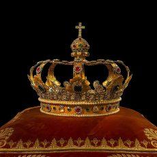 La Corona. Evolución histórica, encaje constitucional y función representativa